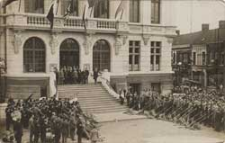 henin lietard british legion tour ceremony aout 1928 carte postale animee cp cpa